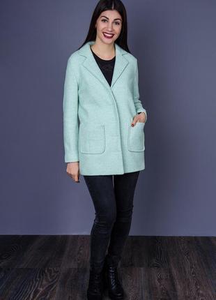 Очень красивое пальто хорошего качества
