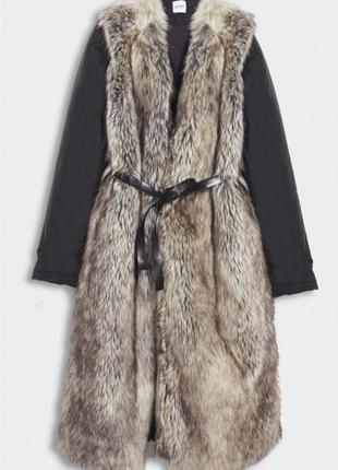 Плащ,пуховик ,пальто,меховое пальто liu jo.
