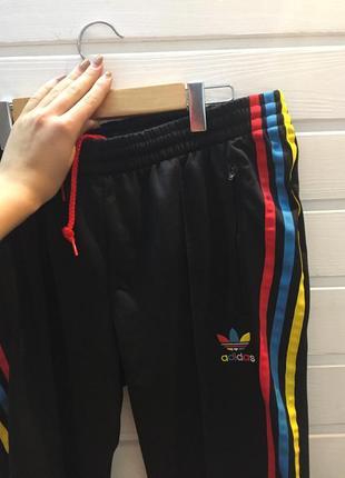 Спортивные штаны брюки adidas