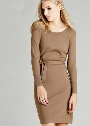 Теплое коктельное платье прямого кроя из шерсти и вискозы