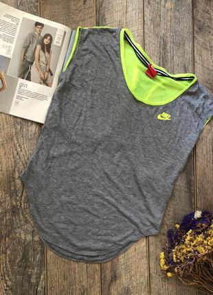 Спортивная футболка nike р.xs(xs/s свободна) опг-49см дл-61 см по спинці