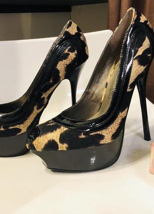 Хищные туфли рррр))) размеры с 35-37