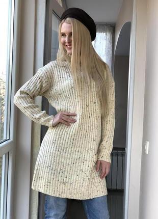 Теплое шерстяное платье гольф