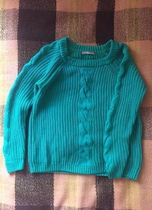 Тёплый свитер с косами