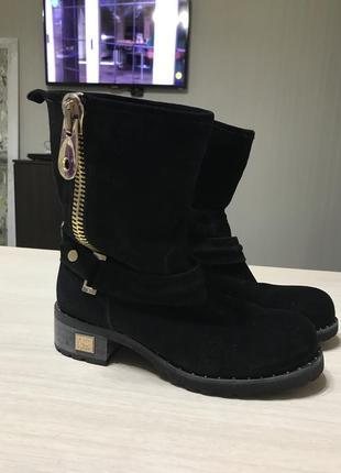 Замшевые зимние ботинки на натуральной овчине