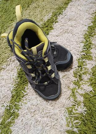 Отличные кроссовки jack wolfskin