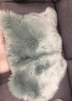 Искусственная овчина (коврик, декор)