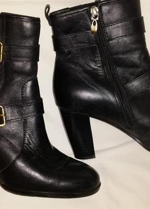 Сапоги  ботинки кожаные tahari 38 - 38,5р.