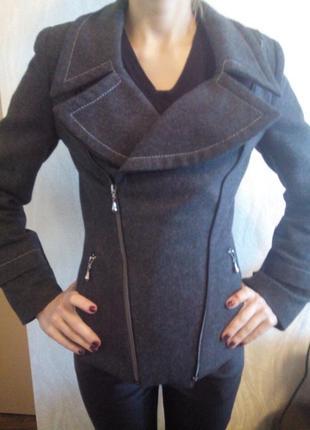Короткое пальто 100% шерсть