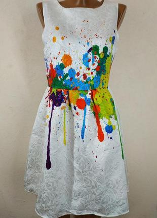 Необычное нарядное платье из фактурной ткани