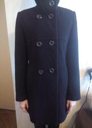 Черное пальто в составе кашемир
