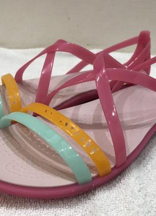 Сандалии crocs isabella cut strappy sandal раз.w7 - 24,5см