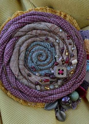 Брошь ′однажды в октябре′, текстильная брошь ручной работы, брошь с натуральными камнями
