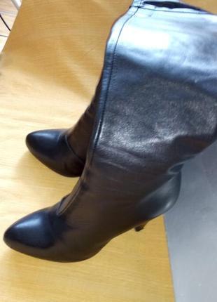 Высокие кожаные ботфорды итальянского производства