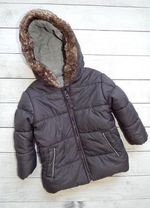 Куртка-деми,для девочки 9-12 месяцев.холодная осень,теплая зима.состояние новой вещи.