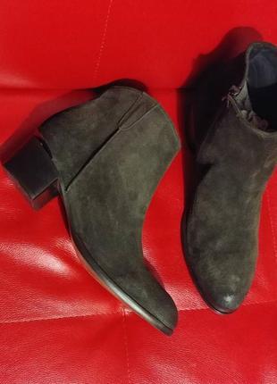 Шикарні черевички minelli нат.замш р.41. колір темний хакі.