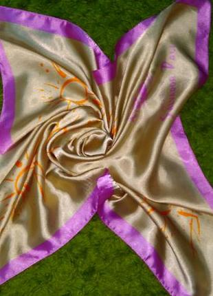 Нежный платок бежевого цвета