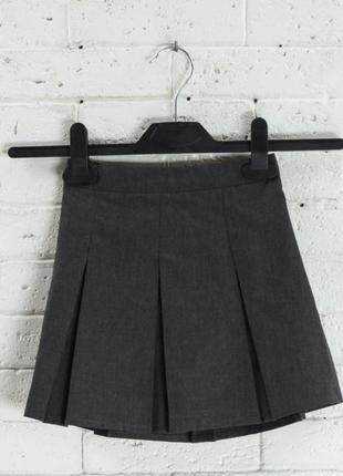 Классическая юбочка от f&fна 10-11 лет