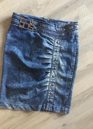 Джинсова юбка з стразами