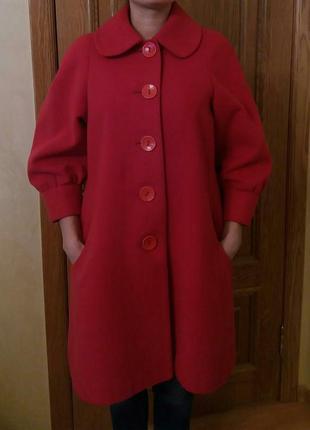 Красное пальто червоне пальто
