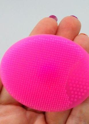 Щетка спонж силиконовая для чистки лица с присоской