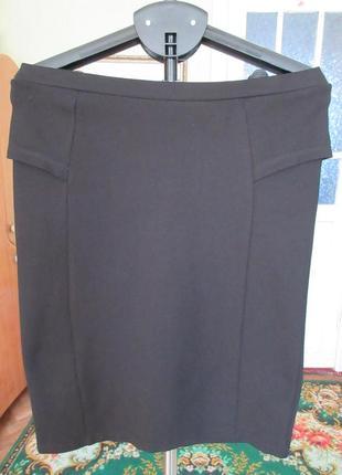 Трикотажная черная юбка с баской по бокам,16 р-ра