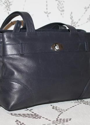 Компактная кожаная сумка hotter на два отделения