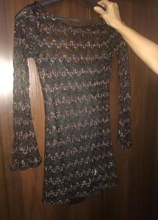 Шикарное короткое вязаное платье