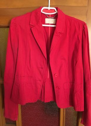 Пиджак красный котоновый mango