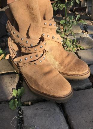 Замшевые ботинки на тракторной подошве zara