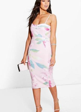 Супер красивое силуэтное платье миди в цветочный принт