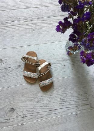Стильные босоножки сандали для девочки 15,5-16см стелька