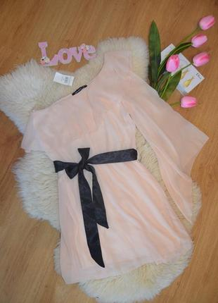 Select очень нежное платье на одно плечо