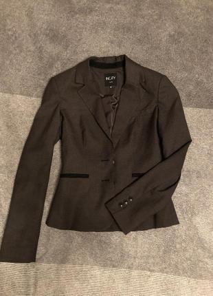 Актуальный новый пиджак/жакет коричневый в гусиную лапку очень стильный сток