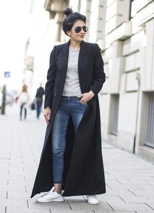 Длинное шерстяное пальто с прямыми карманами