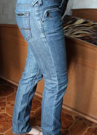 Cтильные джинсы r.marks