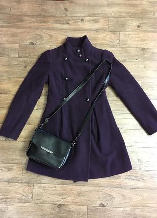 Осеннее пальто пальтишко демисезонное куртка тренч promod черничного цвета