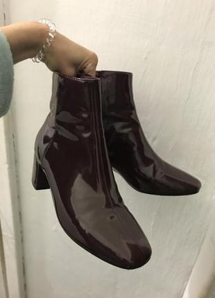 Актуальные бордовые ботинки forever 21
