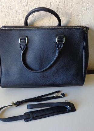 Вместительная большая сумка, с короткими, длинними ручками