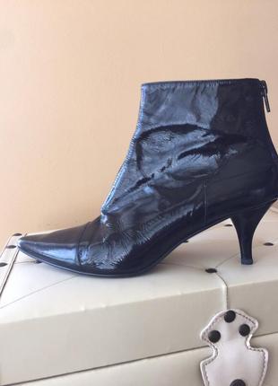 Ботинки ботильйоны сапожки лаковая кожа сапоги-челси