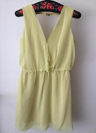 Платье zara с открытой спинкой