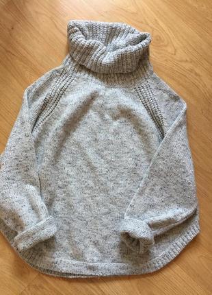 Плюшевый оверсайз свитер со спущенным рукавом