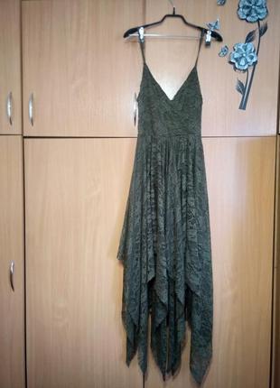 Платье нарядное 44-46 размера