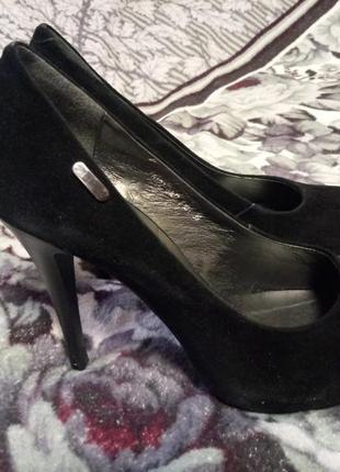 Натуральные замшевые удобные туфли на высоком каблуке, размер 39