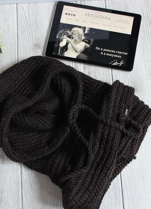 Стильная шапка-капор, шарф.