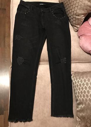 Крутые джинсы zara jeans 👖 boyfriend бойфренды рваные с потертостями и заклепками