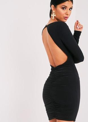 Вечернее платье с открытой спиной приталеное короткое