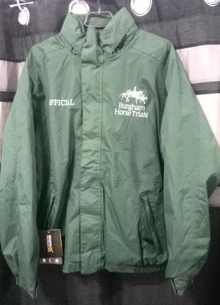 Стильная куртка  бренда regatta professional размер м