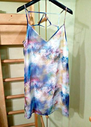 Шифоновое платье с открытой красивой спинкой