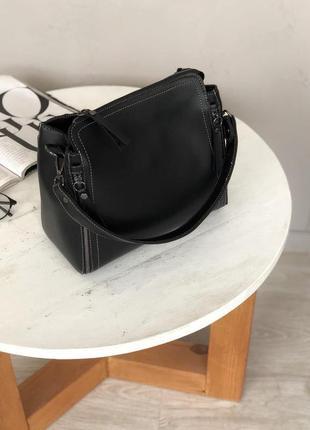 Черная вместительная сумка